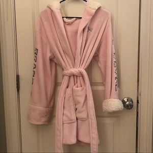 Victoria's Secret PINK sherpa robe!